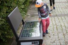 Polski start-up SEEDiA zasłynął do tej pory z zaprojektowania ławek solarnych, dzięki którym przechodnie mogą np. podładować swojego smartfona.