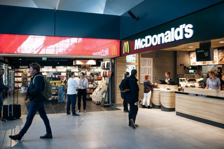 80dae73cc9 Sieć McDonald s chce do 2025 r. zmienić wszystkie opakowania na bardziej  ekologiczne. Polska zapewne