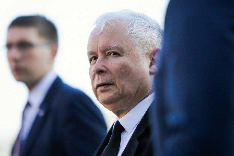 Jarosław Kaczyński już w kwietniu zapowiedział, że prezesów czeka strzyżenie premii.