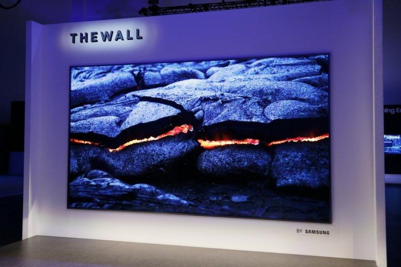 Prezentacja Samsung The Wall podczas targów CES w Las Vegas.