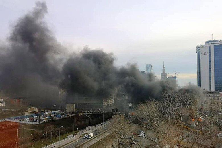 Płonące opony w centrum Warszawy - tak protestują rolnicy