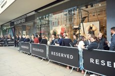 Kolejka do butiku Reserved na londyńskim Oxford Street.