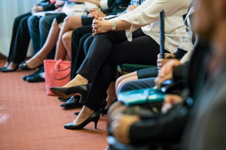 ZUS oskarża kobiety o próby wyłudzenia zasiłku. Te wychodzą naprzeciw zakładowi i powołują Ruch Społeczny Kobiet na Działalności.