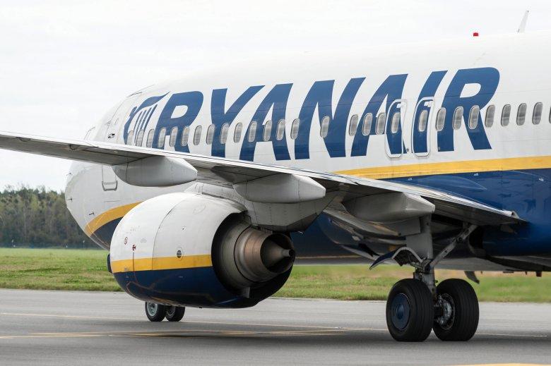 Z powodu strajku kontrolertów ruchu lotniczego linia Ryanair będzie zmuszona odwołać blisko setkę lotów