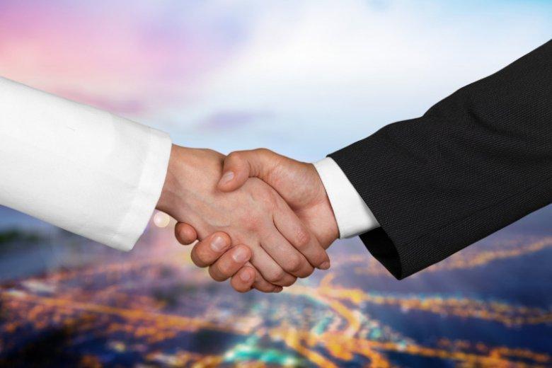 Nie ma innowacyjności bez stałej współpracy biznesu i nauki. W Polsce wciąż niewiele firm finansuje badania pod szyldem niezależnych instytutów