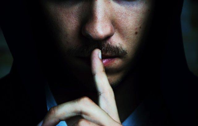 Zdradź mi jakąś tajemnicę i powiedz mi coś czego nie wiem, a uczynisz mnie bogatym.