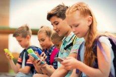 Naukowcy przebadali 135 aplikacji przeznaczonych dla dzieci. Okazało się, że 95 proc. aplikacji zawiera przynajmniej jedną reklamę