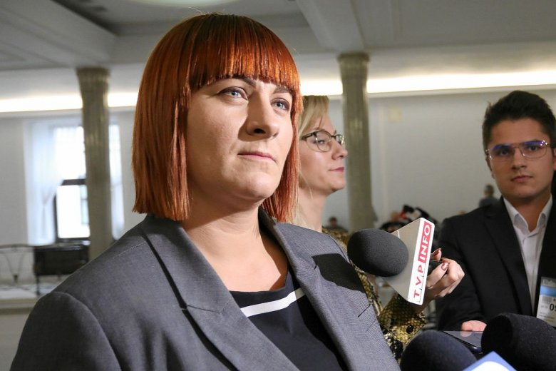 Justyna Socha, szefowa StopNOP, namawia swoich zwolenników do blokowania zbiórki na film o szczepionkach