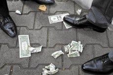 Według oksfordzkich ekonomistów niektóre działania pomocowe rządów to wyrzucanie pieniędzy w błoto.