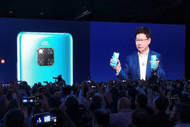 Richard Yu, prezes Huawei, podczas prezentacji nowego smartfona.