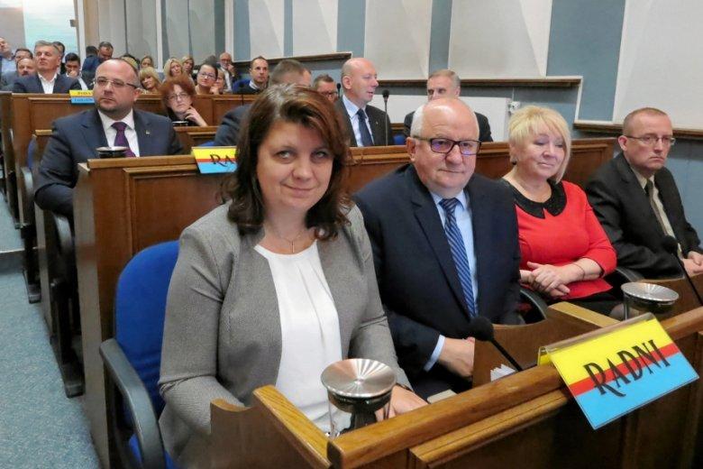Wioletta Kulpa podczas sesji rady miasta i wręczenia medali osobom zasłużonym dla Płocka.