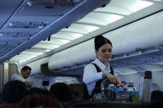 Od przyszłego roku w samolotach Airbus 330 Lufthansy będzie latać jeden pracownik mniej.
