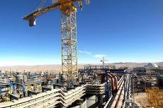– Zgodnie z wyceną opublikowaną przez obecny zarząd, kopalnia będzie funkcjonować przez najbliższe 25 lat i wyprodukuje 4,372 mln ton miedzi. KGHM zarobi na czysto 20 miliardów złotych – liczy były prezes KGHM Herbert Wirth.