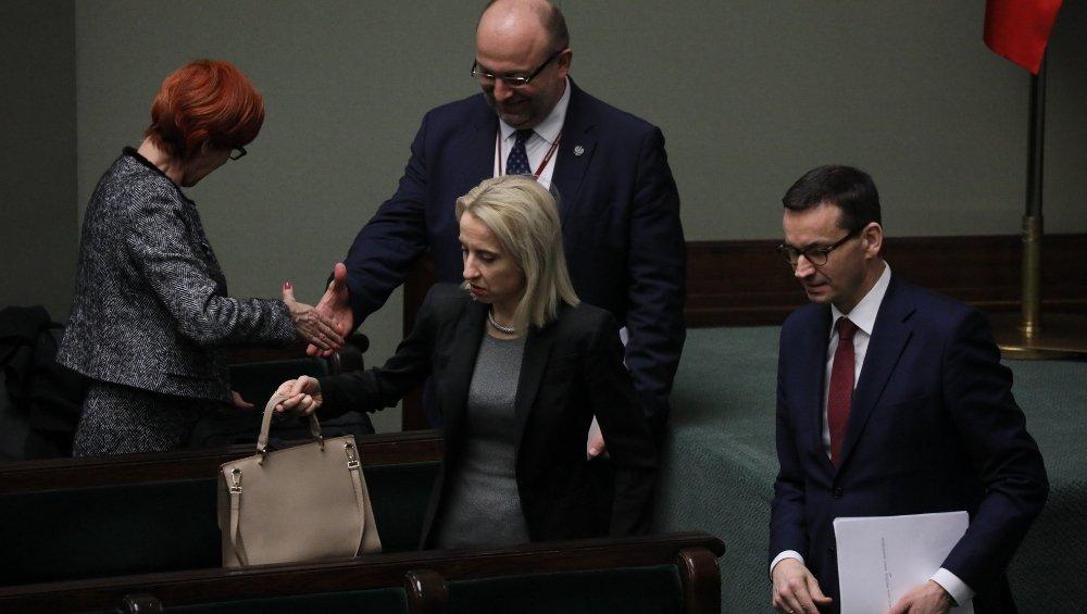 Elżbieta Rafalska, Teresa Czerwińska i Mateusz Morawiecki. Dla ich gabinetu rozszerzenie 500+ przed następnymi wyborami było koniecznością.