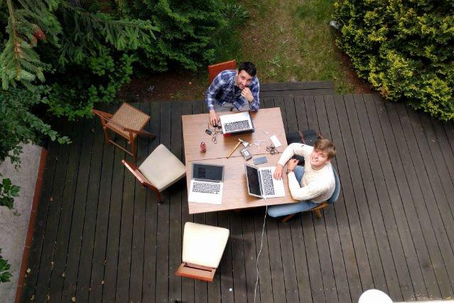 Twórcy Loko przy pracy.