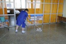 Po podniesieniu pensji minimalnej do 4 tysięcy złotych brutto, pensja sprzątaczki zostanie zrównana z nauczycielską.