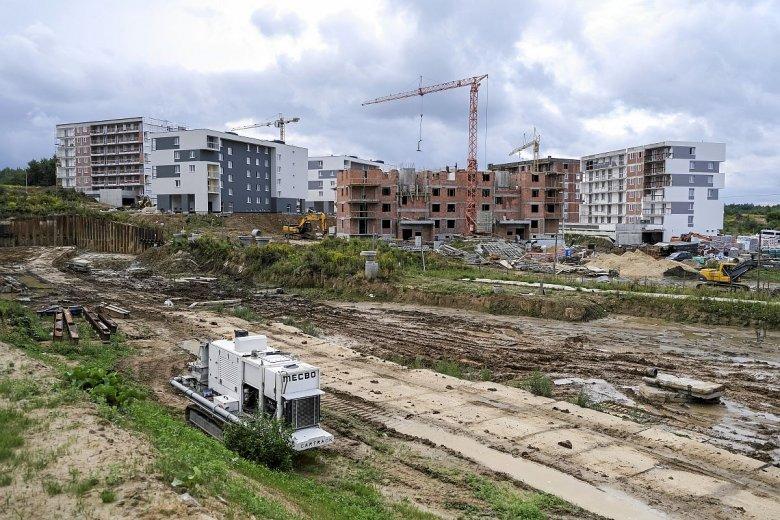 Ani w tym, ani w przyszłym roku nie będzie obiecanych 100 tys. mieszkań z programu Mieszkanie +. Będzie 1000, bo program się dopiero rozkręca