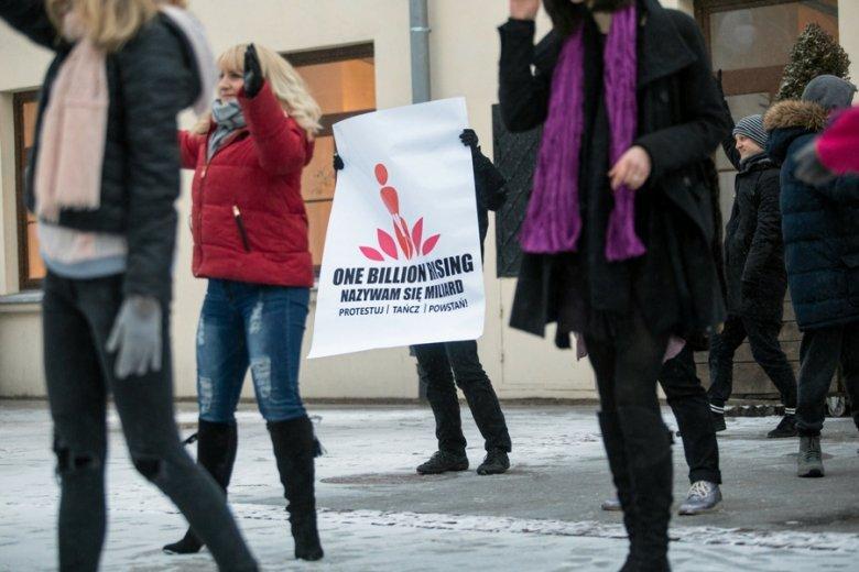 Protest przeciw przemocy wobec kobiet, Lublin. Według badań, 81 proc. Polek doświadczyło molestowania.