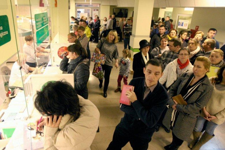 Kolejka do rejestracji w Dziecięcym Szpitalu Klinicznym w Lublinie.