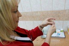 Zgodnie z nowym prawem we Włoszech, dzieci muszą przyjąć dziesięć podstawowych szczepionek.