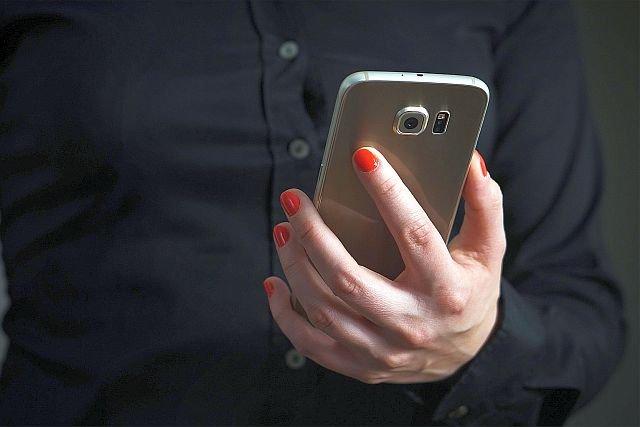 Nowa metoda złodziei - jedynie pozornie dziwny SMS zwiastuje, że ktoś właśnie kradnie ci pieniądze.