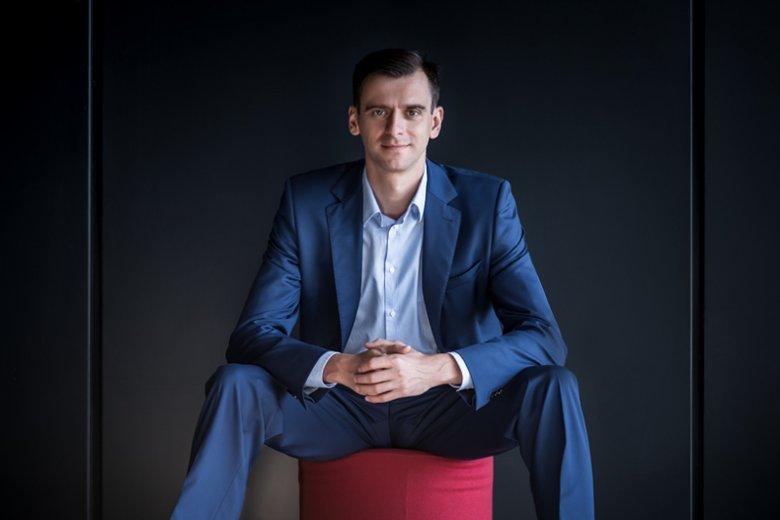 Piotr Grządziel pomaga budować sukces w biznesie, ucząc, jak prawidłowo kreować markę osobistą