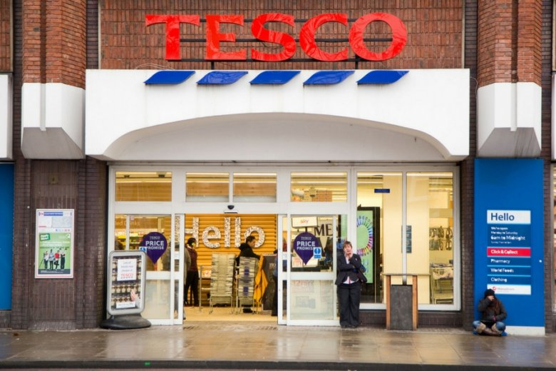 """Klienci brytyjskich sklepów Tesco twierdzą, że sieć """"zrujnowała"""" im święta."""