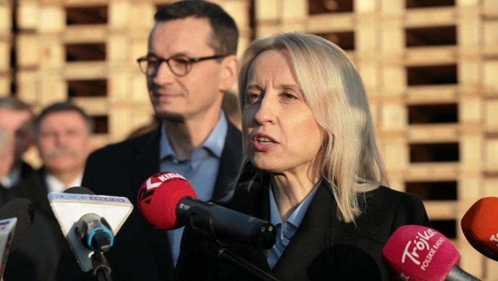 Pozorowany konflikt, w końcu ministrowie finansów od dawna nie mają nic do powiedzenia. Mateusz Morawiecki i Teresa Czerwińska.