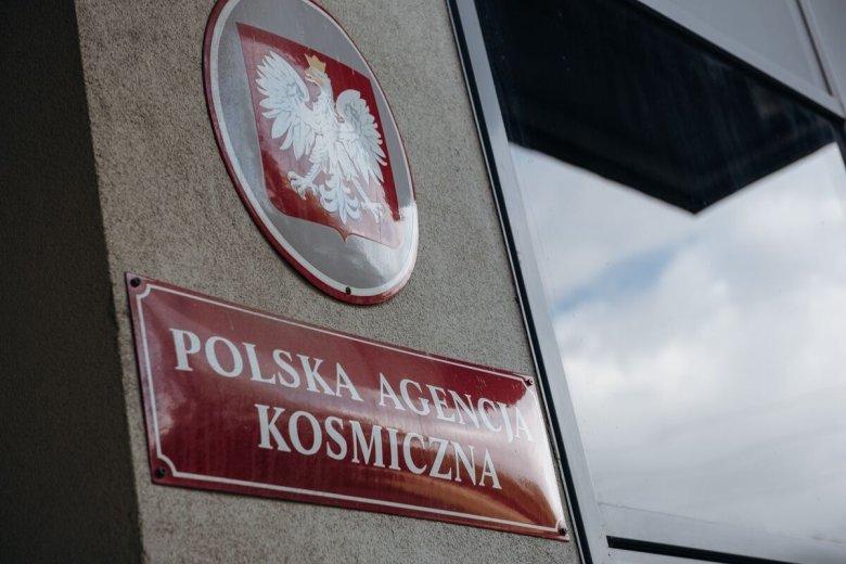 """Według informacji """"Rzeczpospolitej"""", przy wyborze nowego prezesa Polskiej Agencji Kosmicznej mogło dojść do naruszenia prawa."""