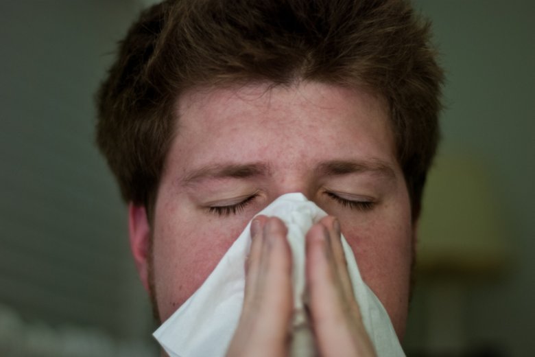Polski patent z Łodzi pomoże odetchnąć alergikom. Nowa tkanina zatrzyma groźny kurz i pomoże w walce z astmą czy katarem.