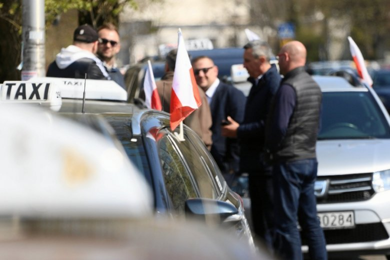 Negocjacje taksówkarzy z rządzącymi.