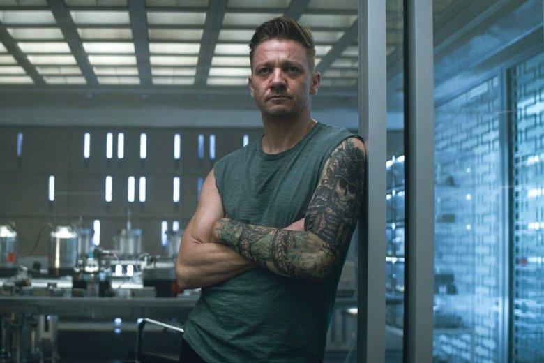 Jeremy Renner jako Hawkeye.