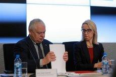 """Szef NBP Adam Glapiński i minister finansów Teresa Czerwińska. Glapiński jest zdania, że przez ostatnie dwa lata mieliśmy w Polsce do czynienia z """"cudem gospodarczym""""."""