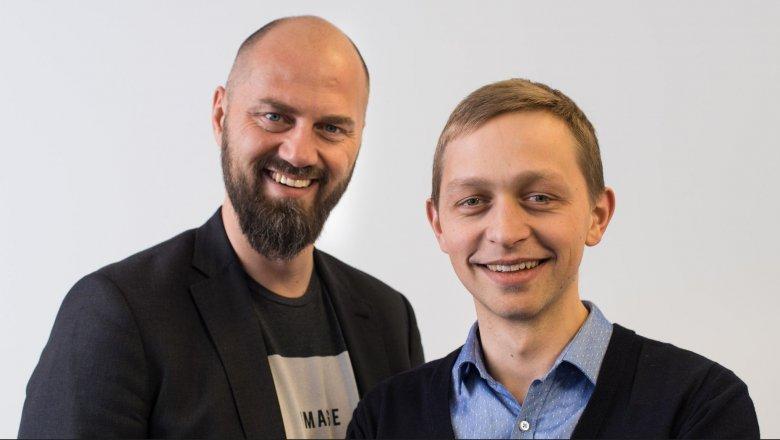 """Michał Grzybkowski i Szczepan Bentyn, autorzy książki """"Kryptowaluty. Dlaczego bitcoin wart będzie milion dolarów"""""""