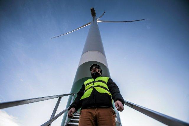 Branża energetyki wiatrowej przyniosi od lat w Polsce duże straty.