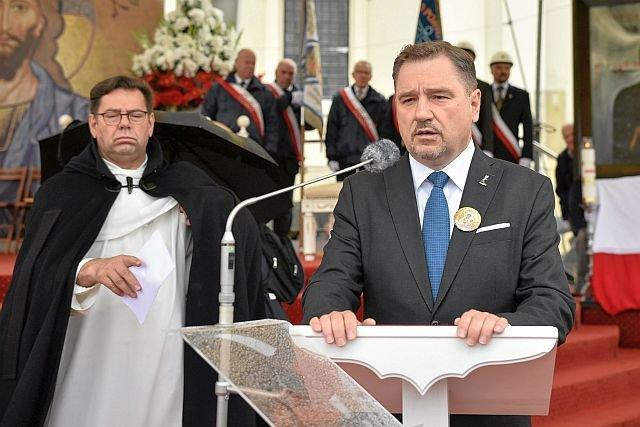 """Piotr Duda, szef """"S"""" chce wprowadzenia zakazu nie tylko handlu, ale i pracy w niedziele"""