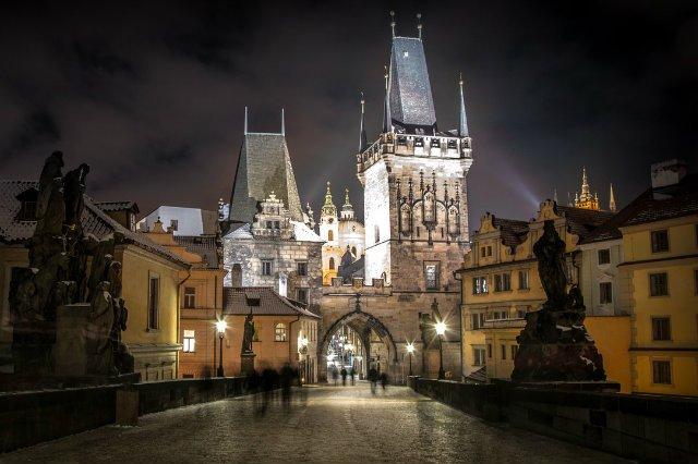 Czesi witają Polaków z otwartymi ramionami.