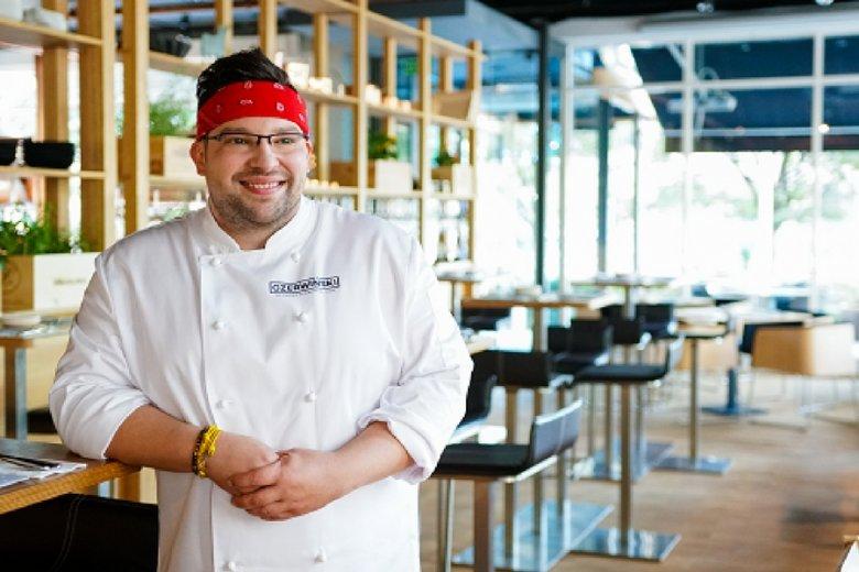 Szymon Czerwiński, znany z konkursu MasterChef. O ironio, klient Pomelo Food Company.