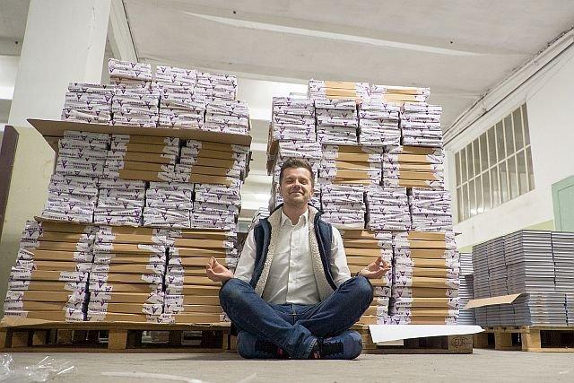 Przed podpisaniem kilku tysięcy książek trzeba się odpowiednio dobrze nastawić do tego zadania