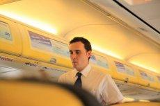 Powodem wyrzucenia z samolotu może być też nieprzyjemny zapach czy nieodpowiedni strój.