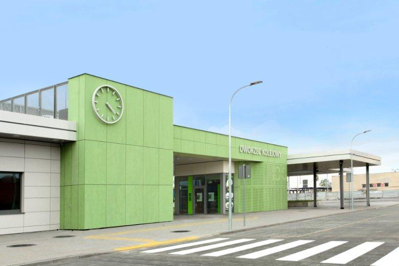 W Nasielsku za ponad 5 mln zł powstał pierwszy innowacyjny dworzec w Polsce. Wkrótce PKP wybuduje 4 kolejne.