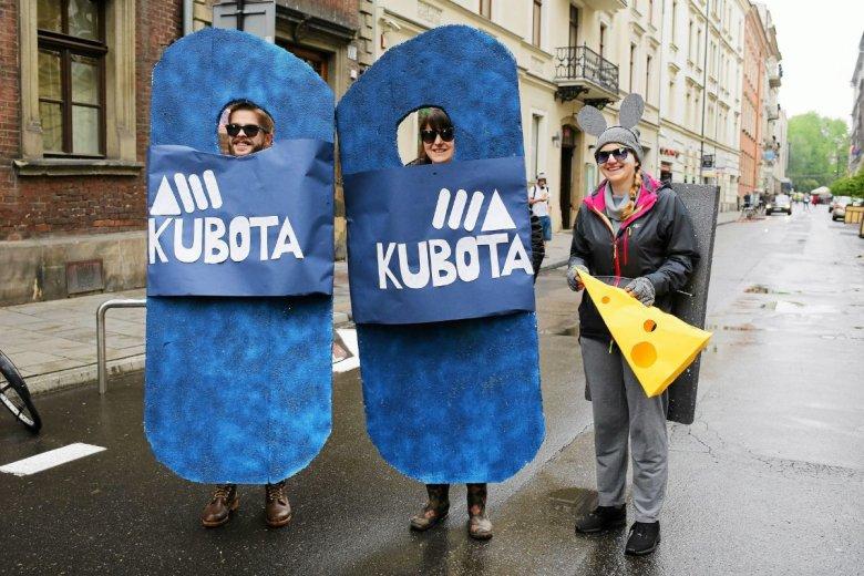 Klapki Kubota wejdą do Biedronki.