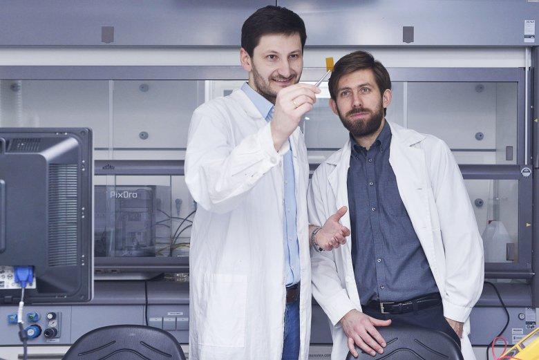 Dr Filip Granek oraz Dr Zbigniew Rozynek - fizycy i współzałożyciele innowacyjnej firmy technologicznej XTPL.