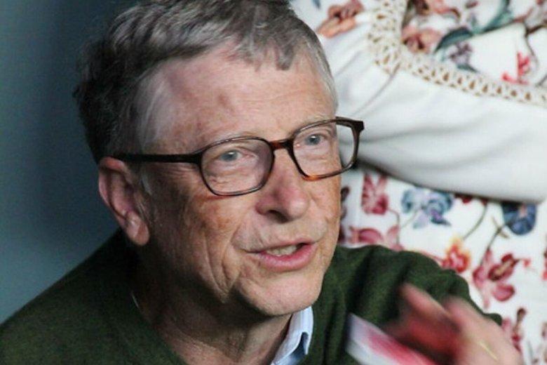 Bill Gates po przejściu na emeryturę, dość aktywnie recenzuje książki.