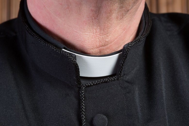 W posiadłości należącej do księdza Rafała Sawicza często pojawiał się wraz z protegowanym arcybiskup Tadeusz Gocłowski.