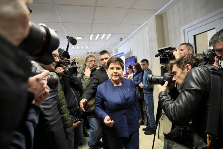 Premier Beata Szydło postawiła sprawę jasno: trzynaste emerytury będą świadczeniem stałym, jeśli tylko PiS wygra wybory.