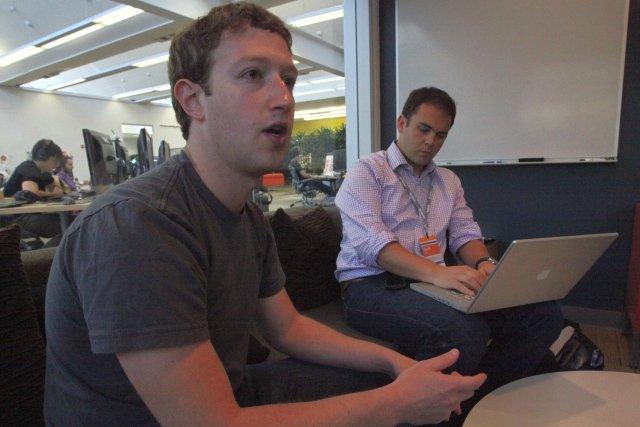 Mark Zuckerberg przyznał, że Facebook sprawdza wszystkie treści wysyłane za pośrednictwem Messengera - treść wiadomości, linki, a także zdjęcia