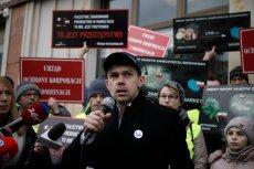 Agrounia i jej lider Michał Kołodziejczak twierdzą, że zagraniczne owoce i warzywa sprzedawane są w sklepach jako polskie.