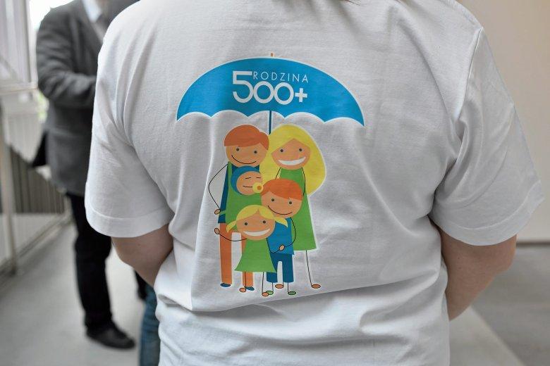 Ponad połowa Polaków popiera pomysł 500+ na pierwsze dziecko.