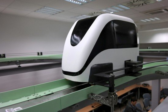 Naukowcy z Politechniki Warszawskiej stworzyli 4-osobowy tramwaj, który ma zrewolucjonizować sposób poruszania się po mieście